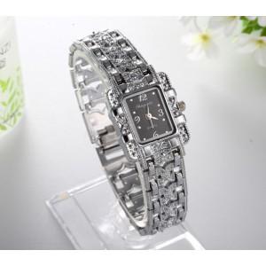 Modní stříbrné dámské hodinky s krystaly