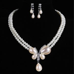Luxusní set - perlový náhrdelník + náušnice s přívěškem motýl