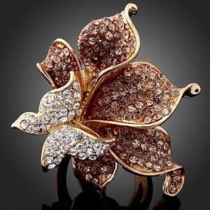 Luxusní prsten žluté zlato, velká květina a motýl Swarovski krystal J0513