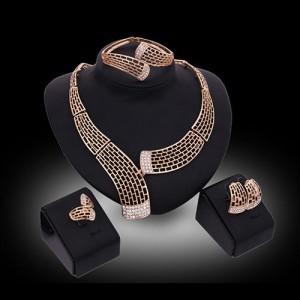 Luxusní dámský zlatý set - náhrdelník, náušnice, náramek, prsten s krystaly C
