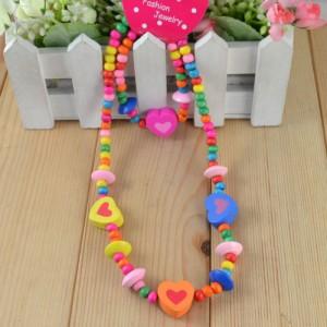 Dětský, dívčí dřevěný set náhrdelník + náramek se srdíčky barevný