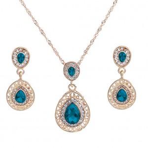 Elegantní zlatý set - náhrdelník + náušnice  s krystaly - 3 barvy