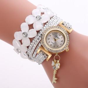 Moderní dámské hodinky osázené krystaly a přívěškem bílé - Angel fashion 98bbf54233