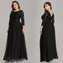 Elegantní, společenské krajkové šaty s dlouhými rukávy pro plnoštíhlé - černé