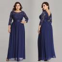 Elegantní, společenské krajkové šaty s dlouhými rukávy pro plnoštíhlé - tmavě modré