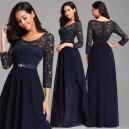 Elegantní, společenské krajkové šaty s 3/4 rukávy a ozdobou v pase pro plnoštíhlé - tmavě modré