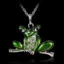 Módní dámský řetízek s přívěškem žába s krystaly - zelená